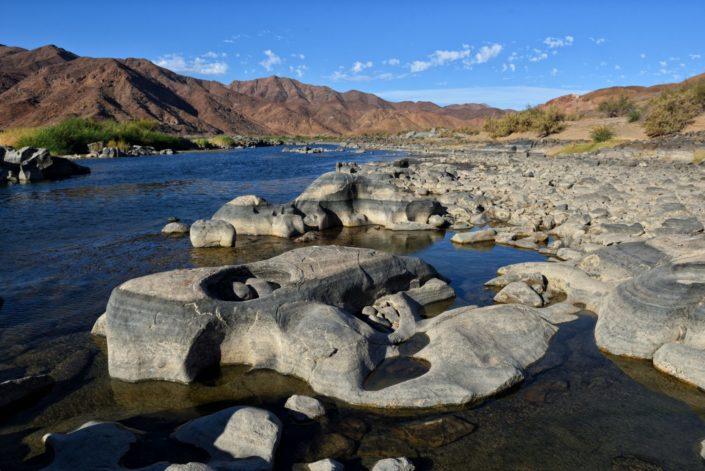 Der Oranje River verändert sein Flussbett