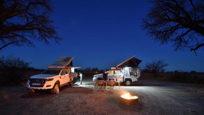 Nachthimmel über dem Camp