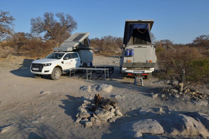 Das Camp mit Feuerstelle ist eingerichtet