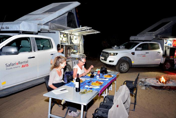 Abendessen ist bereit im Central Kalahari Game Reserve