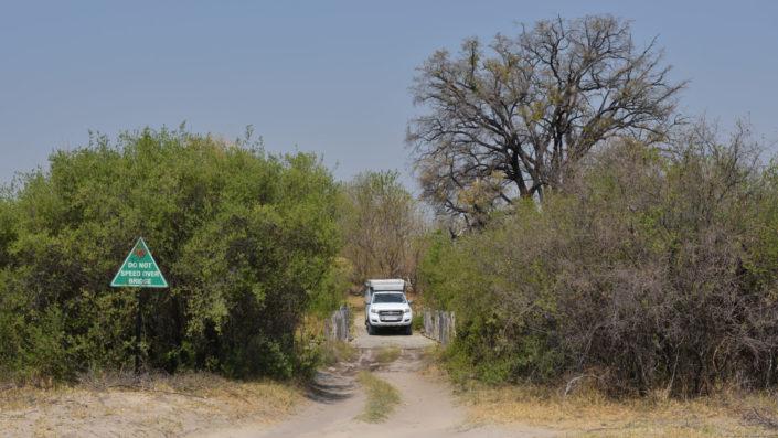 Ford Ranger auf der Second Bridge im Moremi Game Reserve