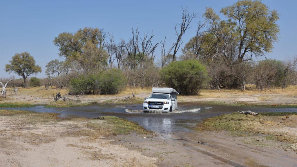 Ford Ranger durchquert den Mbudi River