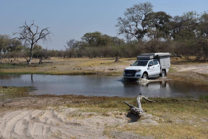Wasserdurchfahrt zur Magotho Campsite